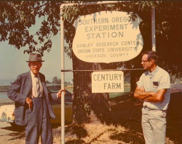 Professor Frank Reimer, left